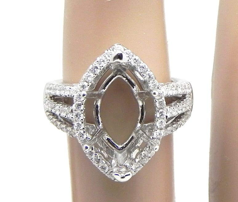 Ladies 18k White Gold Marquise Shaped Diamonds Semi Mount