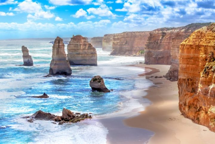 I'm off to the Great Ocean Road and the 12 Apostles today!
