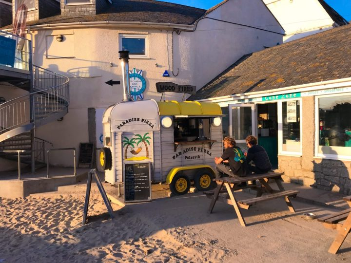 Paradise Pizza in Polzeath