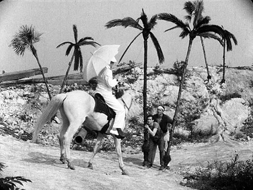 "The ""dream Cuba"" Welles conjured up a New York quarry for Too Much Johnson required the help of a couple of Mercury prop men holding up fake palm trees as Joseph Cotten (Billings) navigates on horseback."