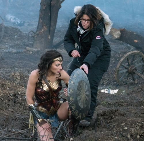 Wonder Woman: Director Patty Jenkins and Gadot on the set