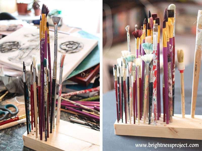 DIY Paintbrush holder