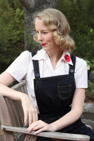 Dungarees: Freddies of Pinewood / Blouse: Freddies of Pinewood