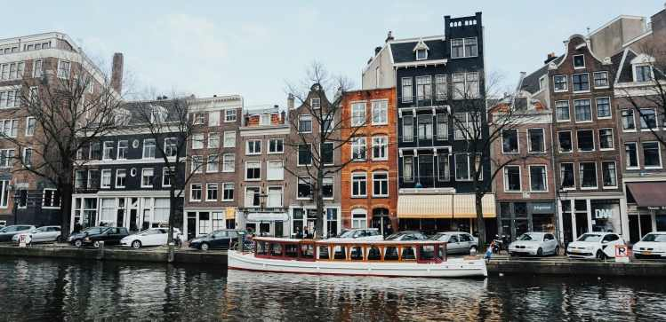 international meetings amsterdam canal tour