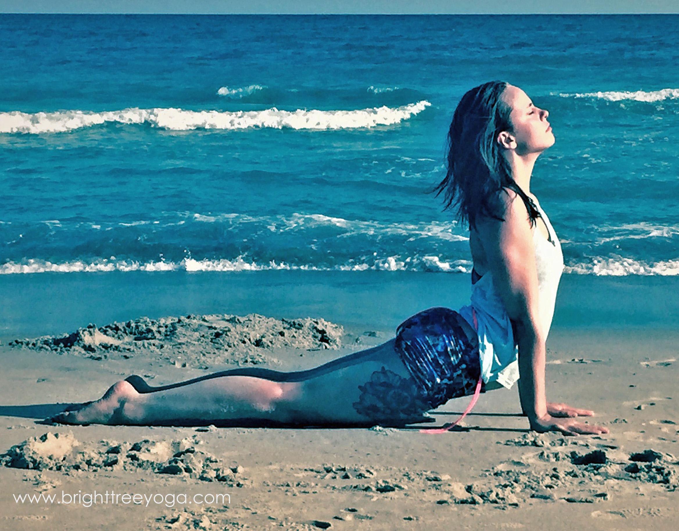 Rachel-beach-updog