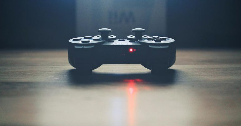 PC vs Console Gaming Video Controller