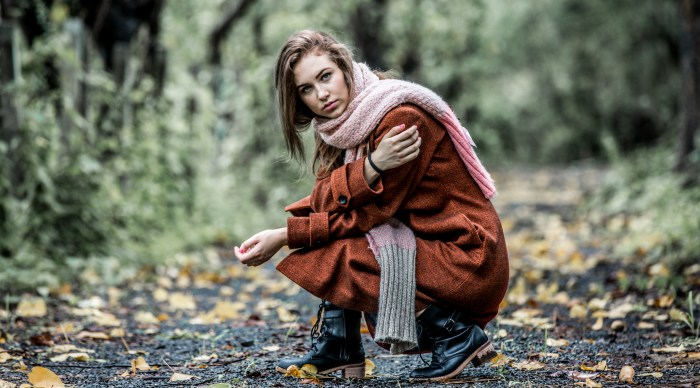 FASHION PHOTOGRAPHY SHOT DONE BY BRIJESH KAPOOR OF A UKRANIAN MODEL WEARING A LONG ORANGE WOOLEN COAT WITH BLACK BOOTS AND A BEIGE MUFFLER