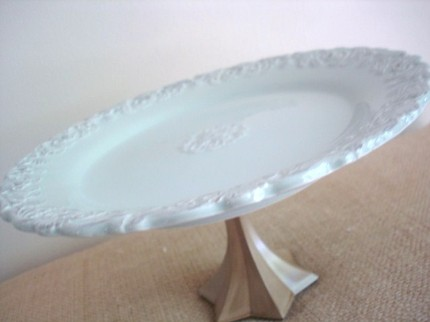 Put Your Party on a Pedestal: Cake Stands (2/6)
