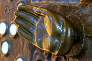 Open hand doorknob