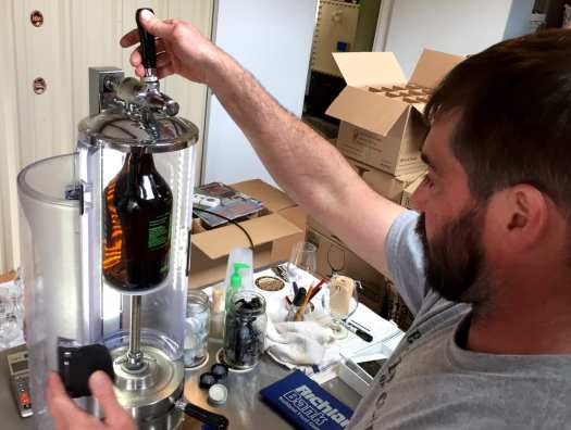 Growler filler - Bridge Brew 2016