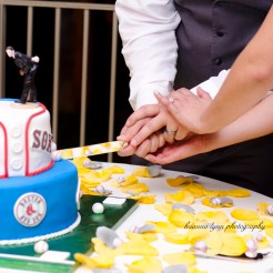 Lopez Moryl Wedding - cut the cake