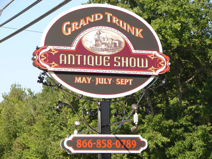 Grand Trunk Antique Show Brimfield MA