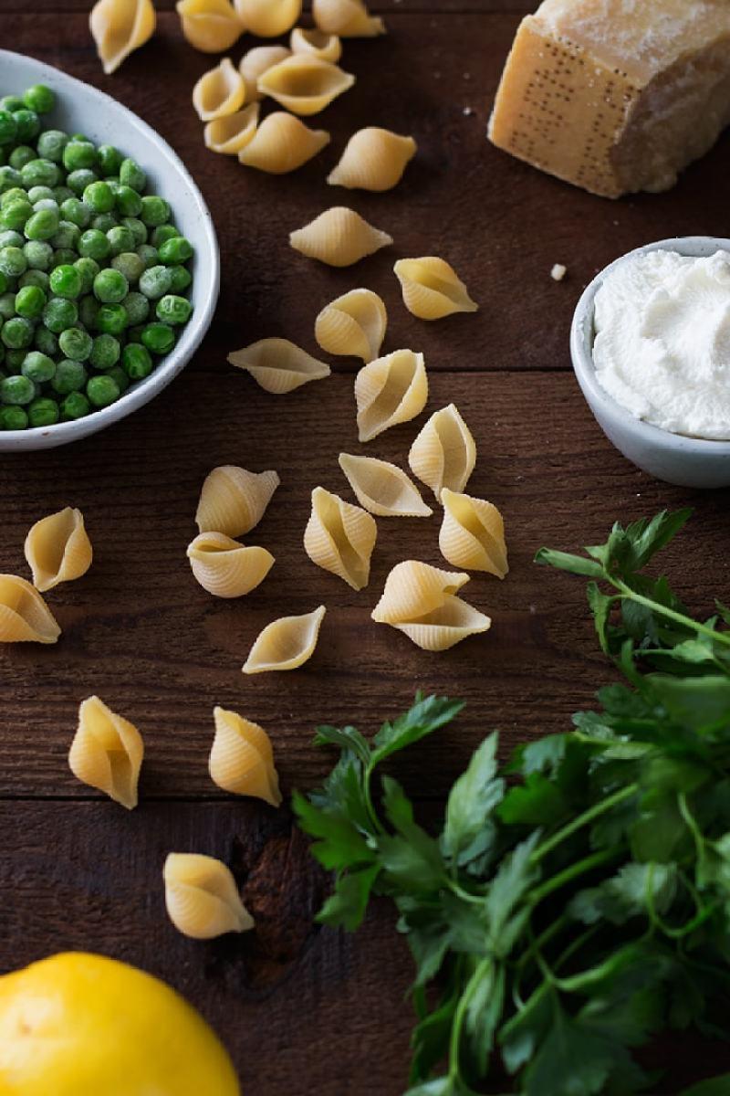Shells with Ricotta & Peas