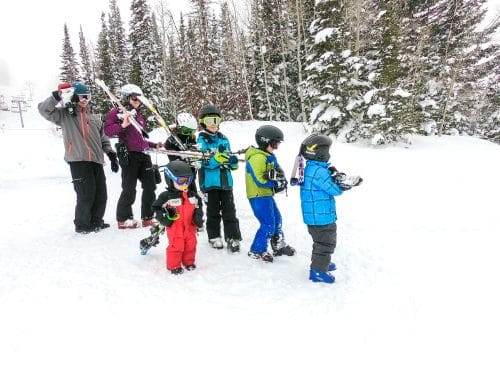 big family skiing