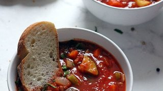 One Pot Vegan Minestrone Soup • Happy Kitchen