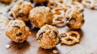 Chocolate Peanut Pretzel Balls