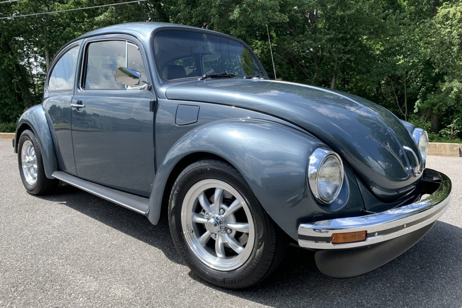 Modified 1971 Volkswagen Super Beetle