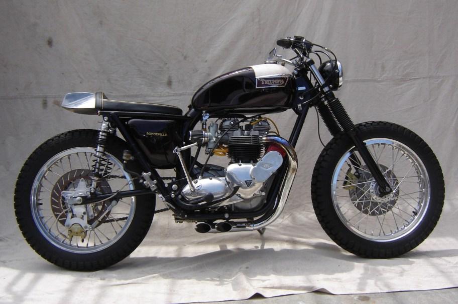 No Reserve: Modified 1977 Triumph T140 Bonneville