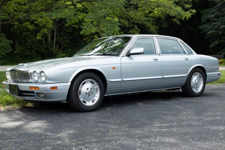 No Reserve: 1995 Jaguar XJ6