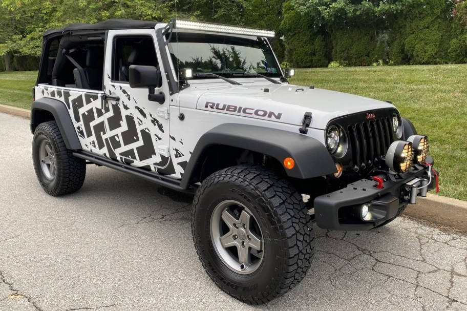 Modified 9,600-Mile 2016 Jeep Wrangler Rubicon Unlimited 4x4