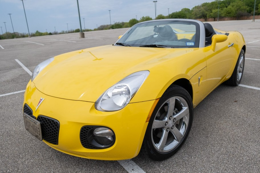 15k-Mile 2008 Pontiac Solstice GXP 5-Speed