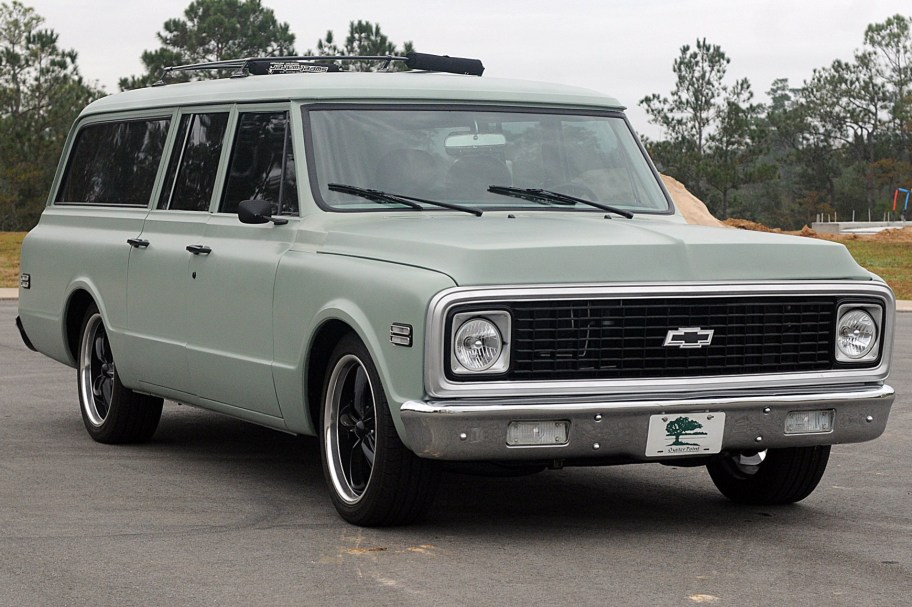 Modified 1971 Chevrolet Suburban