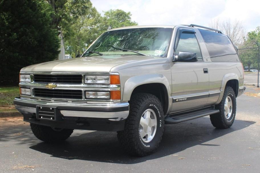 1999 Chevrolet Tahoe Two-Door LT 4×4