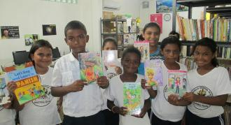 Roatan, Honduras, books for Bonacca, Steve Holcomb,