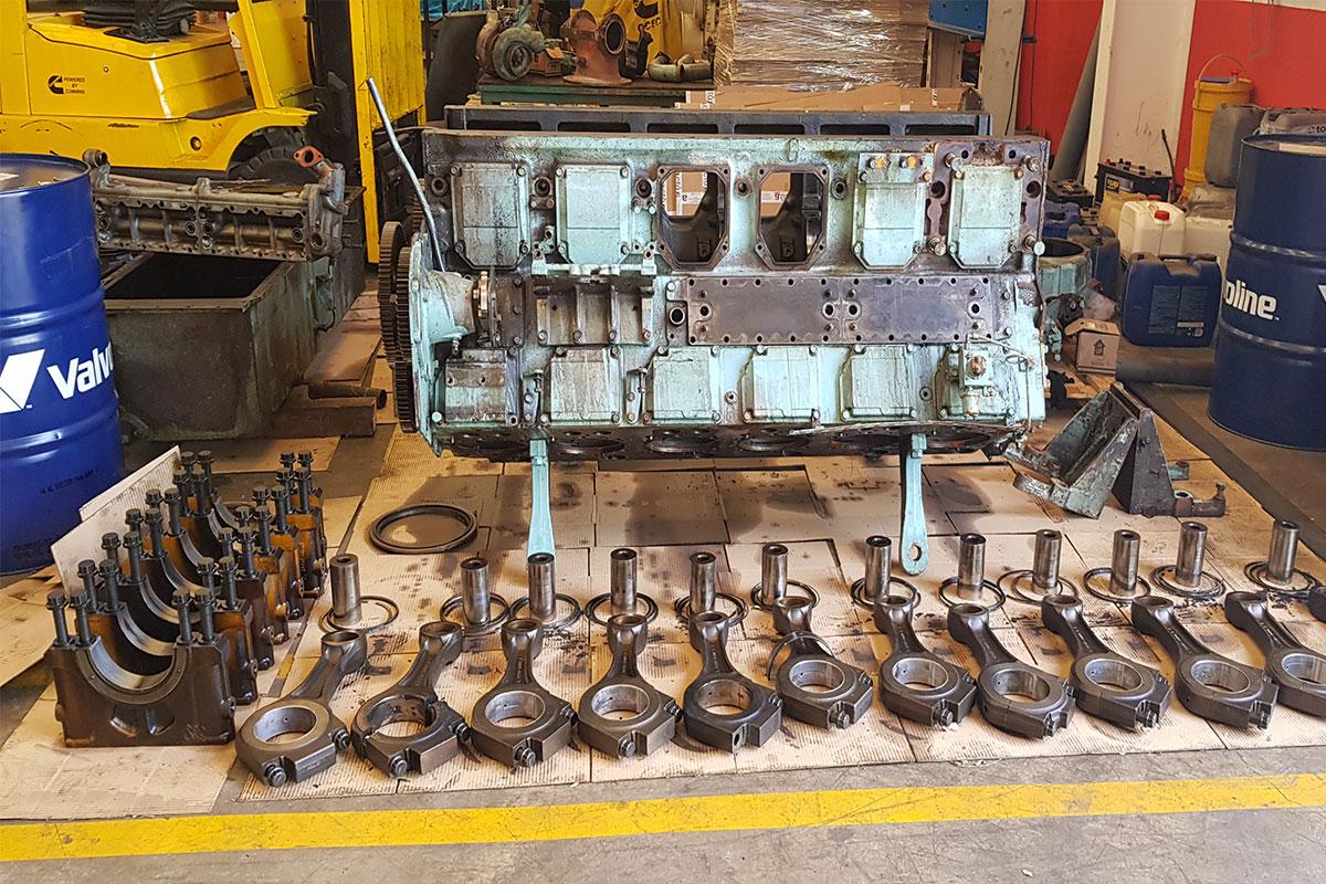 BRIO-motor-naval-engine-dismounted-parts-ultrasonic-cleaning-limpieza-ultrasonidos-overhaul-remanufacturing-reconstruccion-mantenimiento