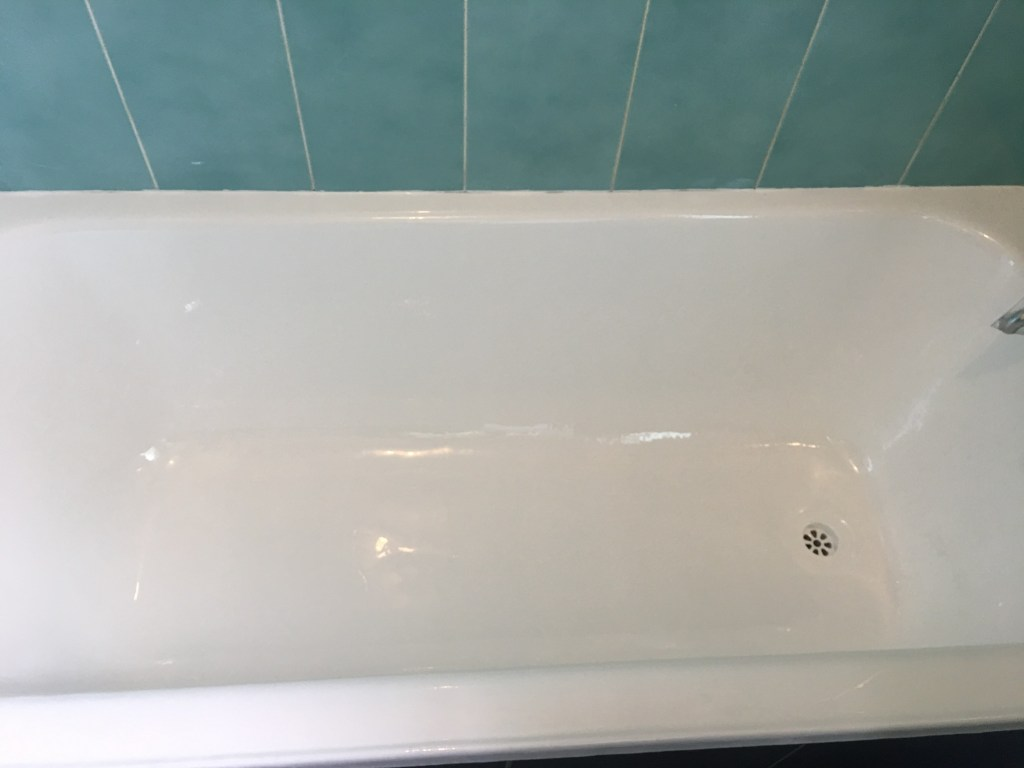 Bathtub Enamel Repair - Brisbane Bath Resurfacing