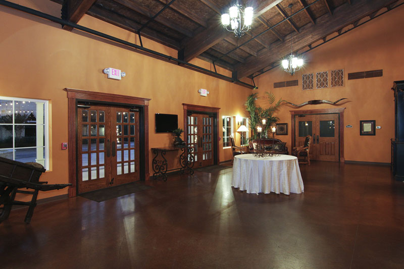 briscoe-manor-grand-foyer