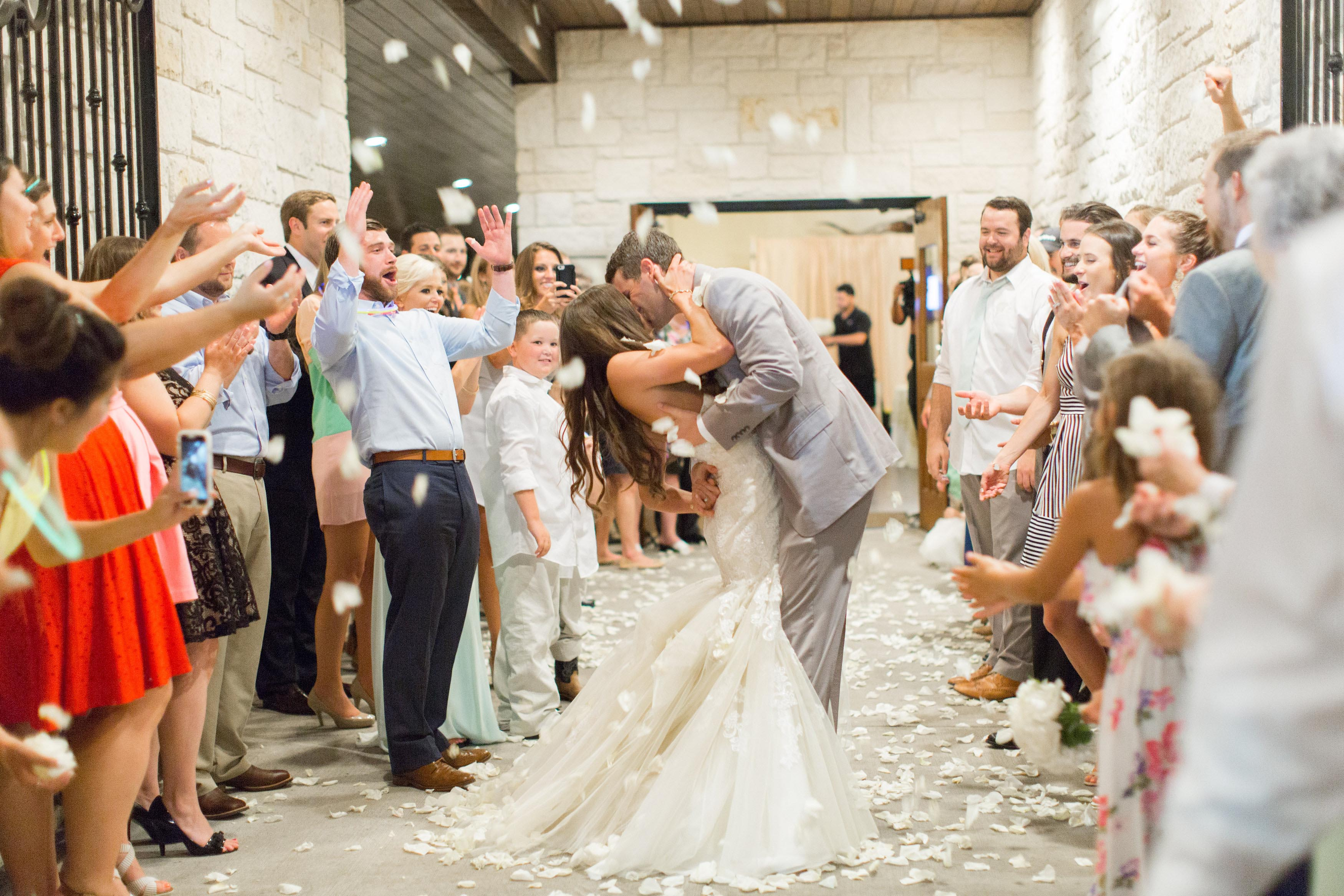 photos-of-wedding-departures-at-briscoe-manor-022