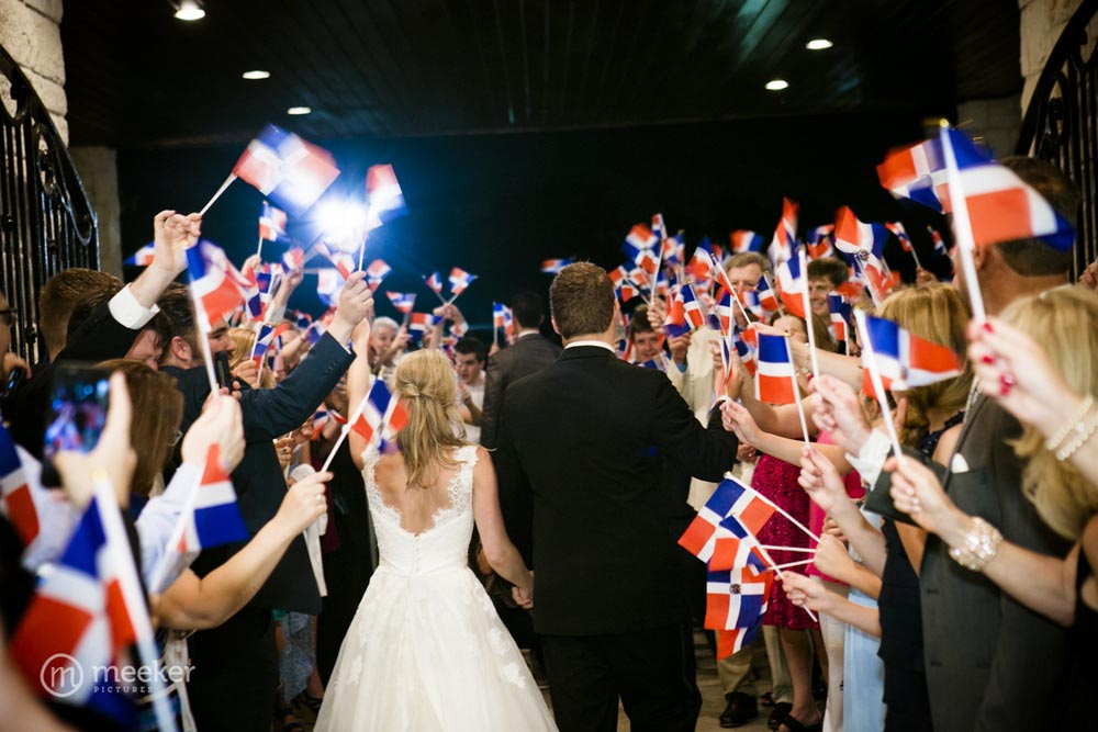 photos-of-wedding-departures-at-briscoe-manor-027