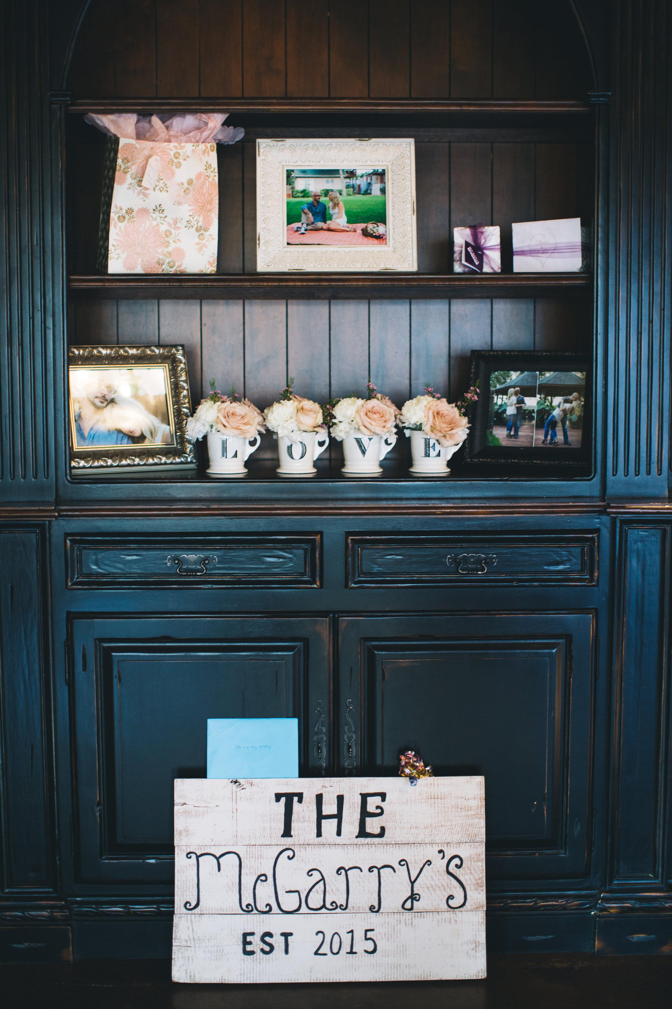 photos-of-wedding-details-at-briscoe-manor-015