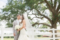 photos-of-brides-grooms-at-briscoe-manor-042