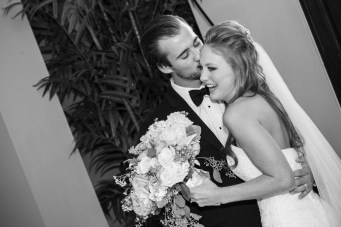 photos-of-brides-grooms-at-briscoe-manor-061