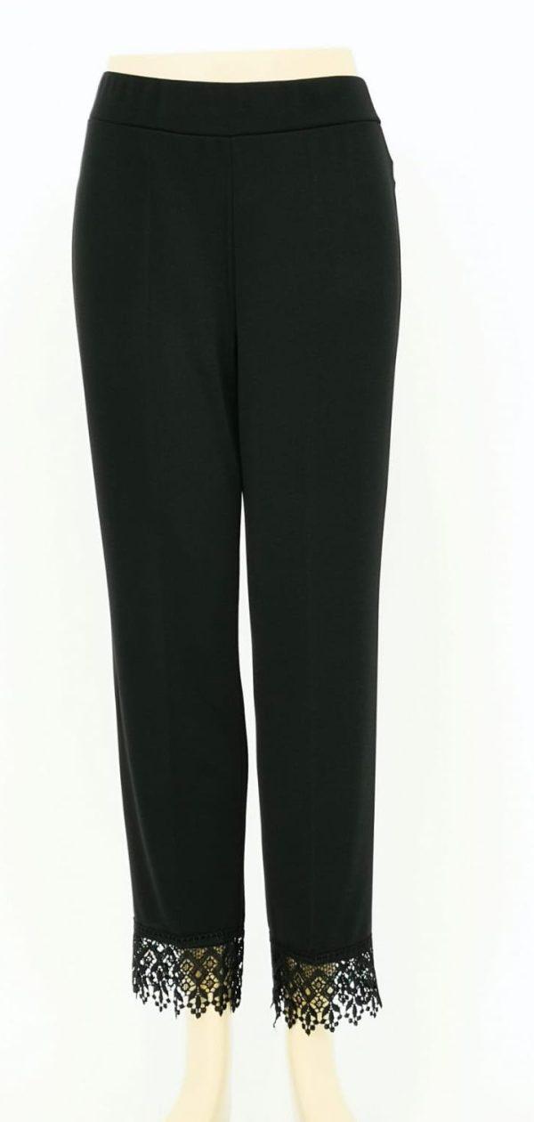 Pantaloni tinta unita elasticizzati con pizzo macramè in fondo