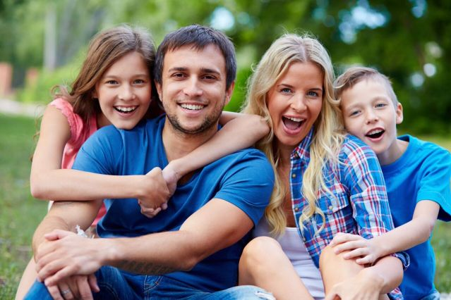 Family picture - Mississauga Dentist - Bristol Dental