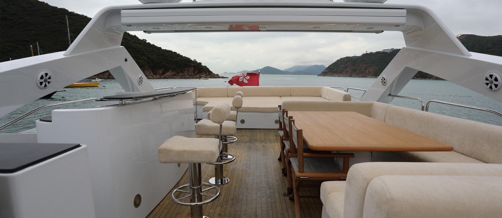 Sunseeker-30-Metre-Yacht-Coraysa-Flybridge-1