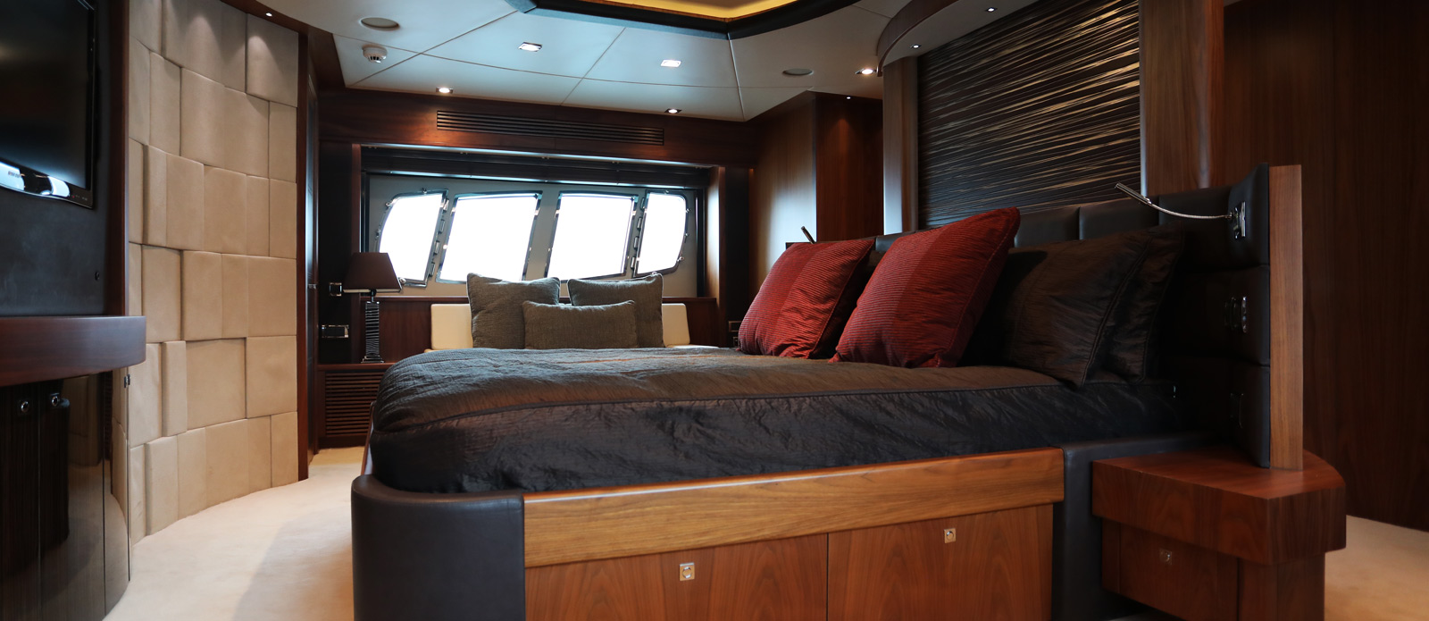 Sunseeker-30-Metre-Yacht-Coraysa-Master-Cabin-2