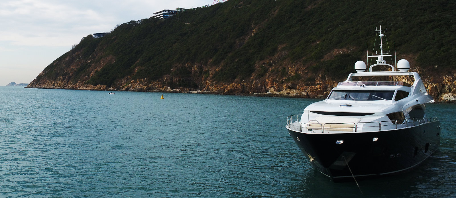 Sunseeker-30-Metre-Yacht-Coraysa-at-Anchor