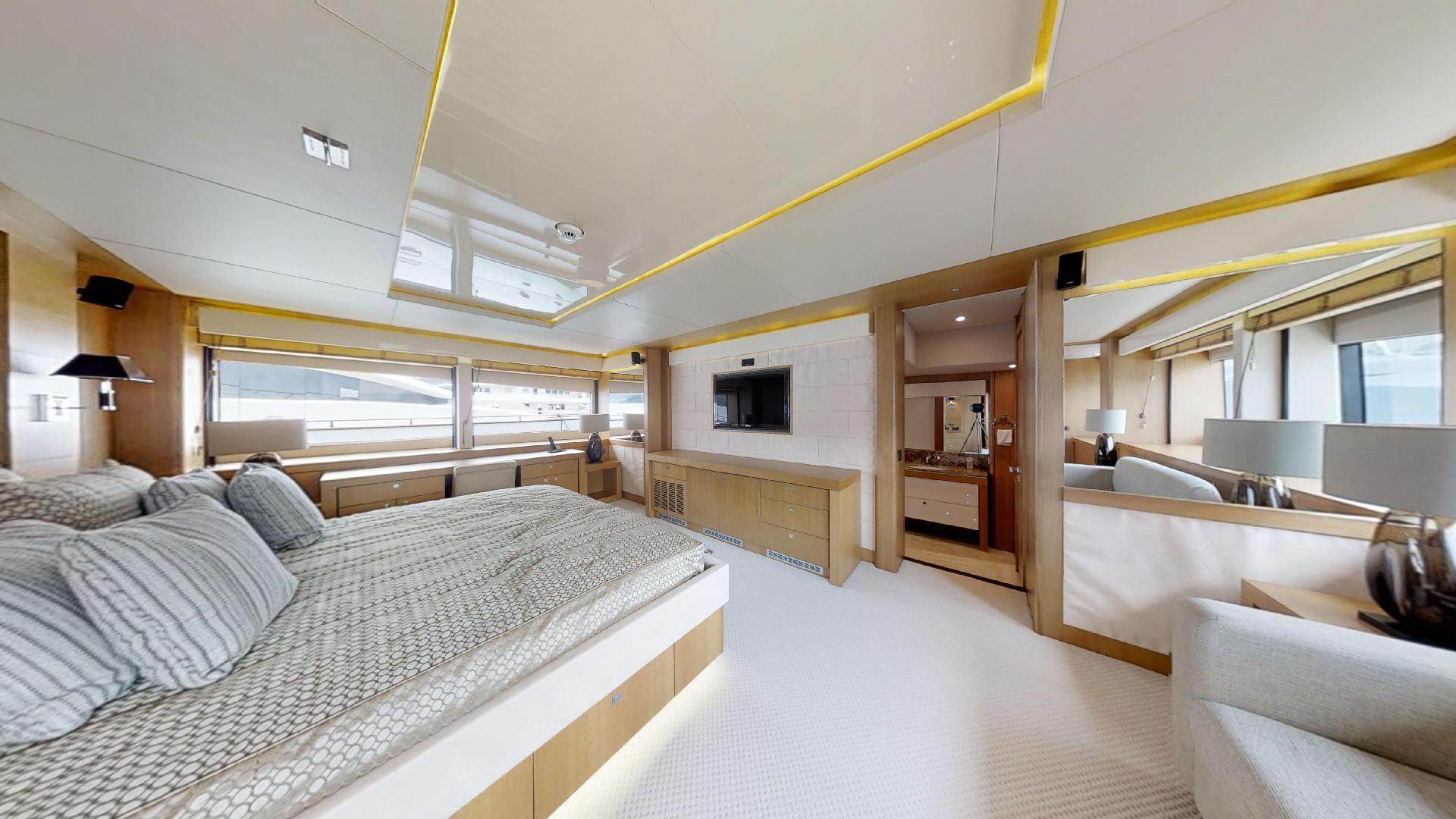 Manhattan-Express-II-Master Cabin 2