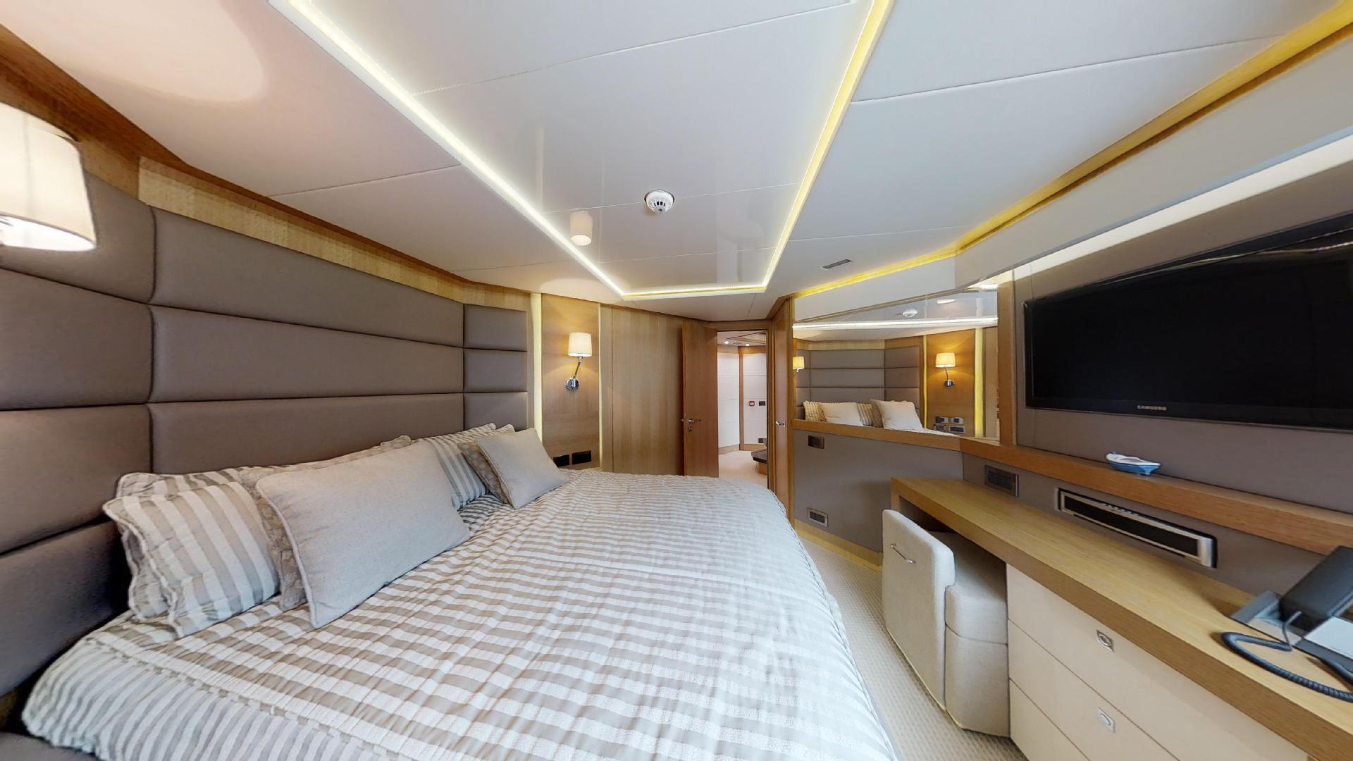 Manhattan-Express-II-VIP Cabin 4