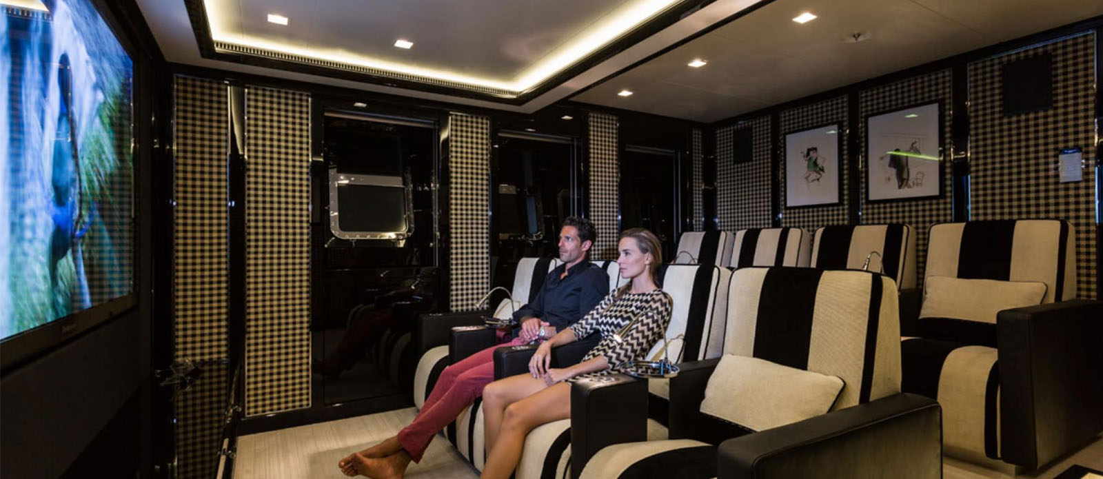 Axioma - Cinema Room