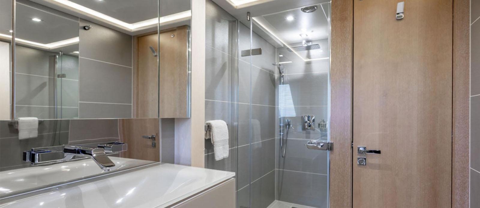 Arados - Double Cabin En-Suite