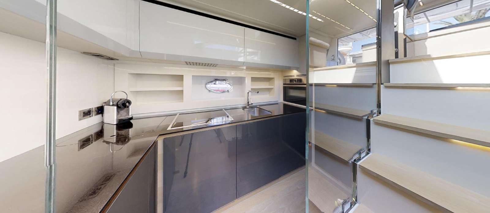 Pershing 70 - Ritmo De Vida - Galley