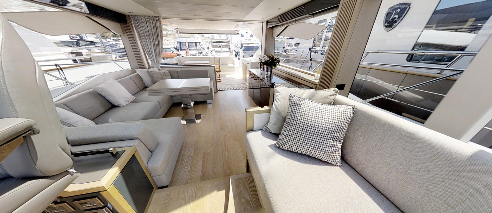 Sunseeker 74 Predator - Helm-Seating