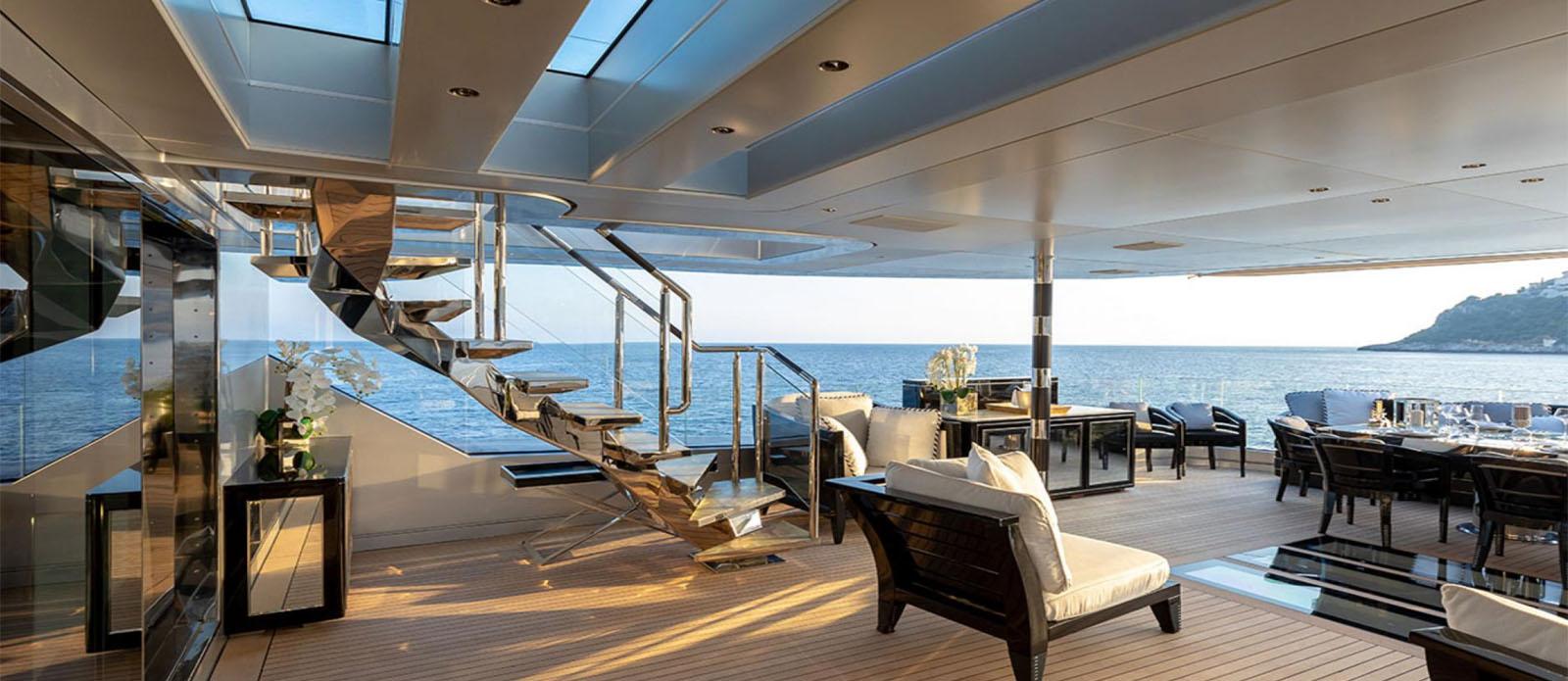 Sarastar -Main deck Exterior