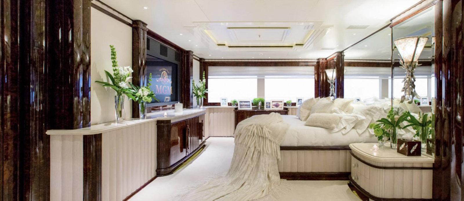 Lioness V-Benetti-Master-Cabin