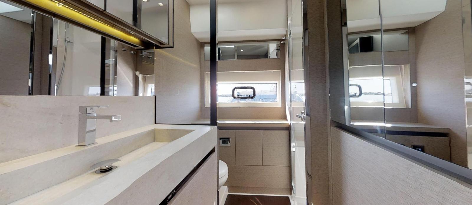 Prestige-630---Boss---VIP-Cabin-En-Suite